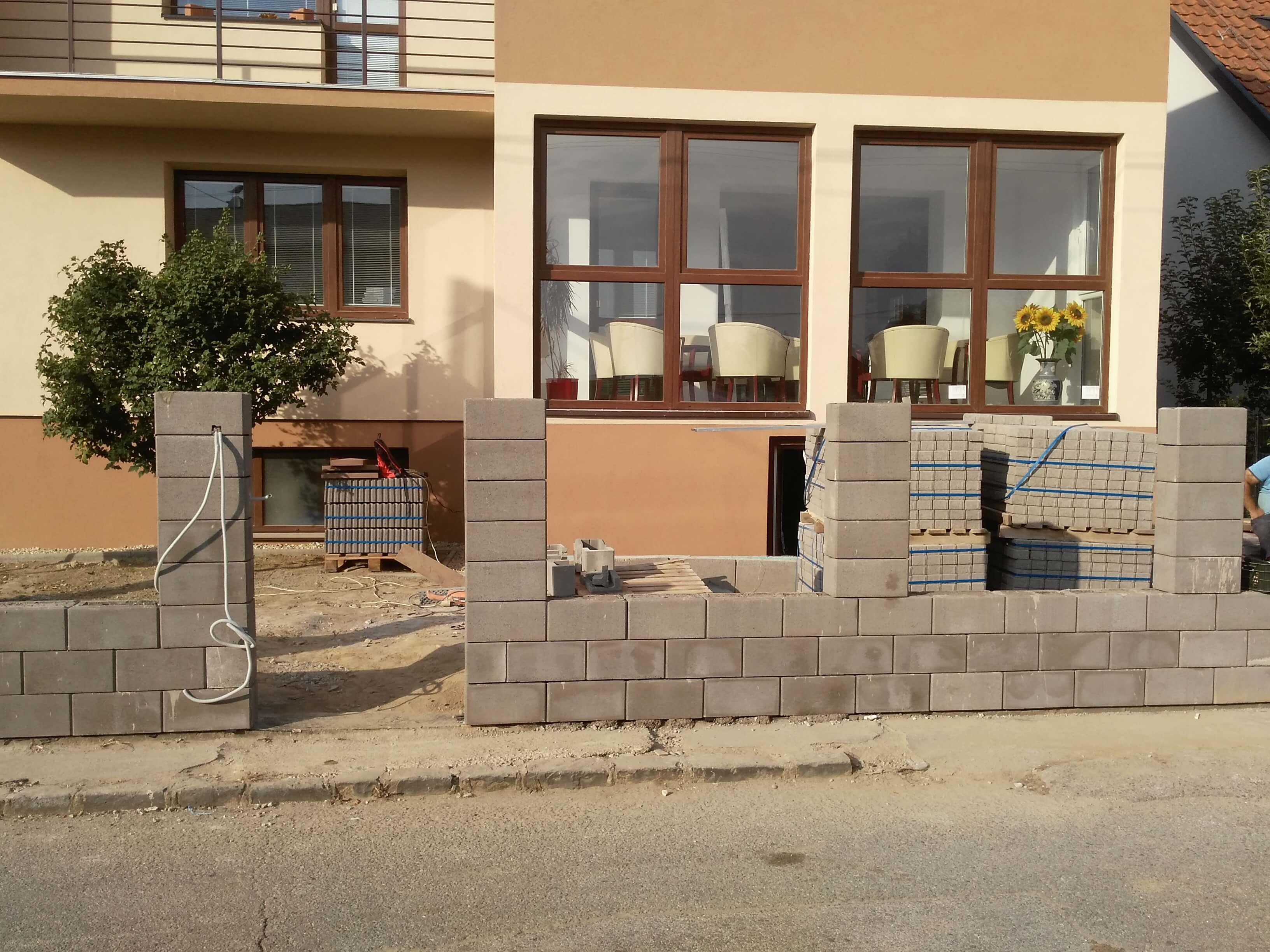 Oknosystem - Rekonštrukcia budovy Škola manažmentu